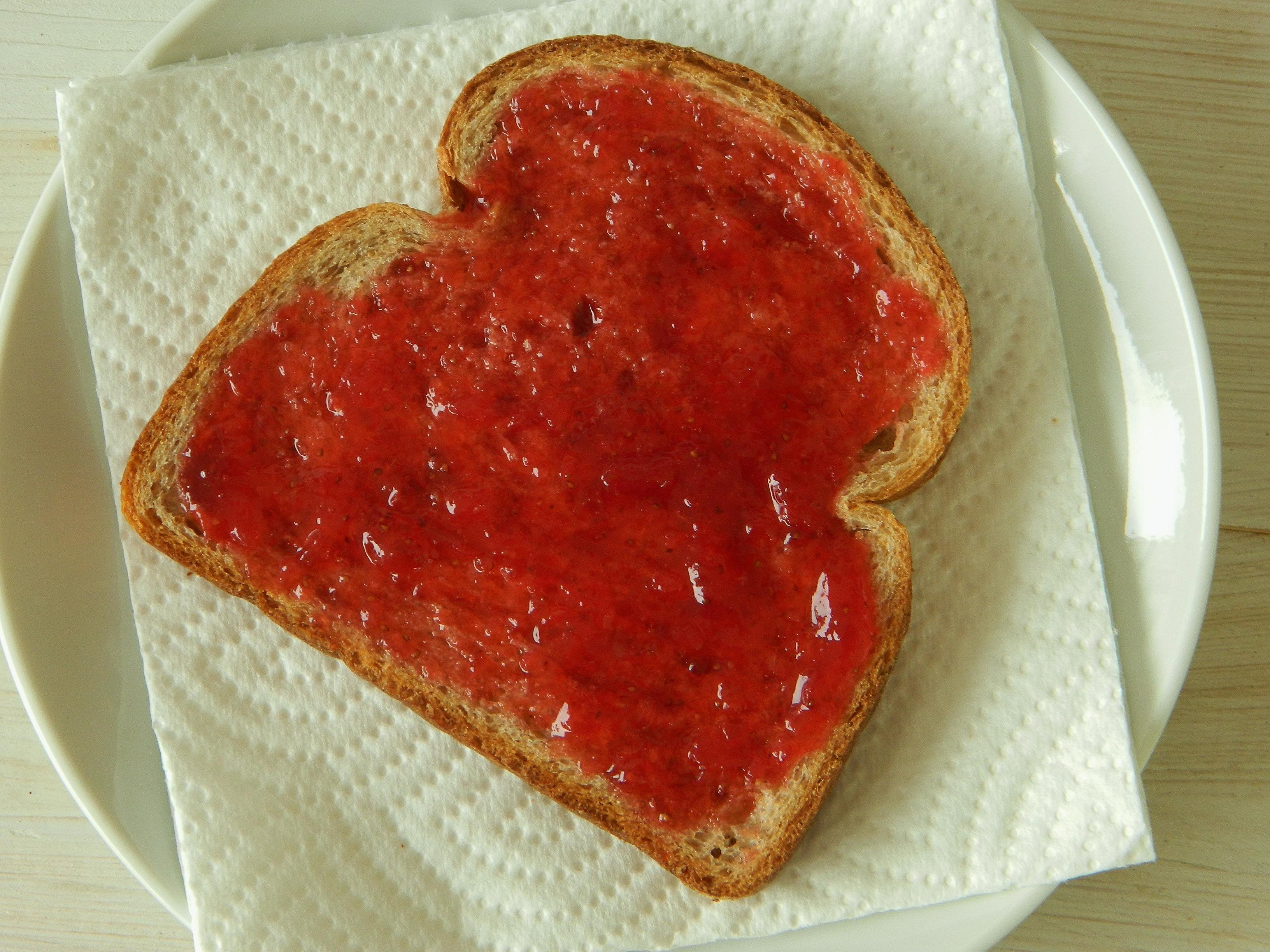 Easy Strawberry Freezer Jam Recipe